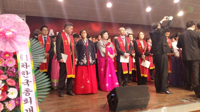 After all were ordained, they all came up to the platform and received the ordination certificates and stoles.
