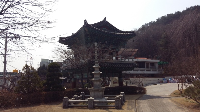 Suwon Buddhist temple pagoda