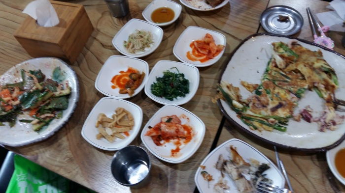 Our meal also came with the usual variety of side dishes.